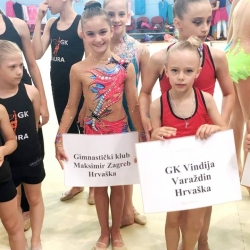 Mia Gvozden i Bruna Franjković
